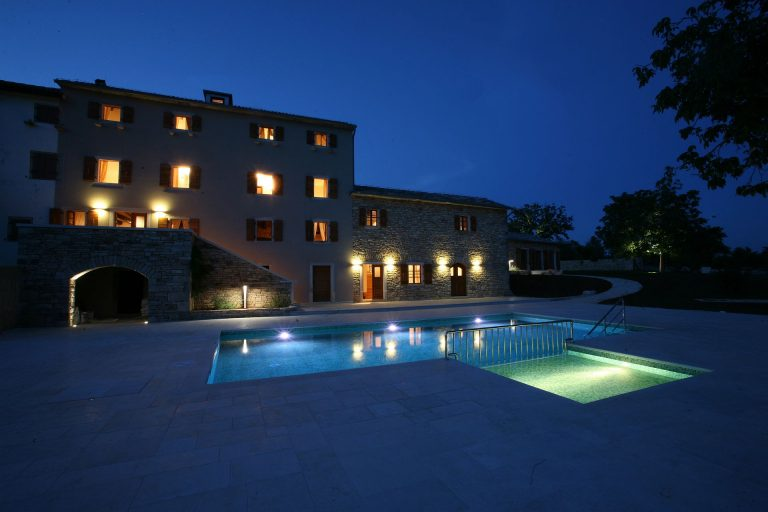 A_Villa Poropati-Night